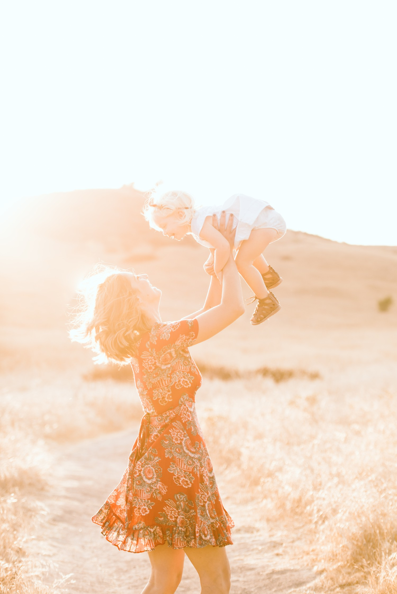 sunset-field-family-mother-daughter-12_web